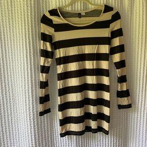 H&M Striped Long-Sleeve Dress